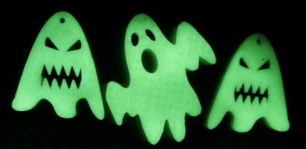 Halloween - glow-in-the-dark ghosts